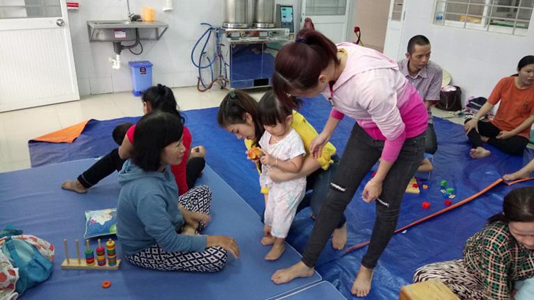 Đội ngũ bác sĩ tại trung tâm Phục hồi chức năng trẻ em VietHealth