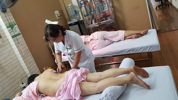 Bác sĩ Doãn Hồng Phương được mệnh danh là cây kim vàng trong ngành châm cứu Việt Nam