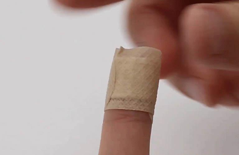 băng tay ngăn ngừa da nứt nẻ, chảy máu