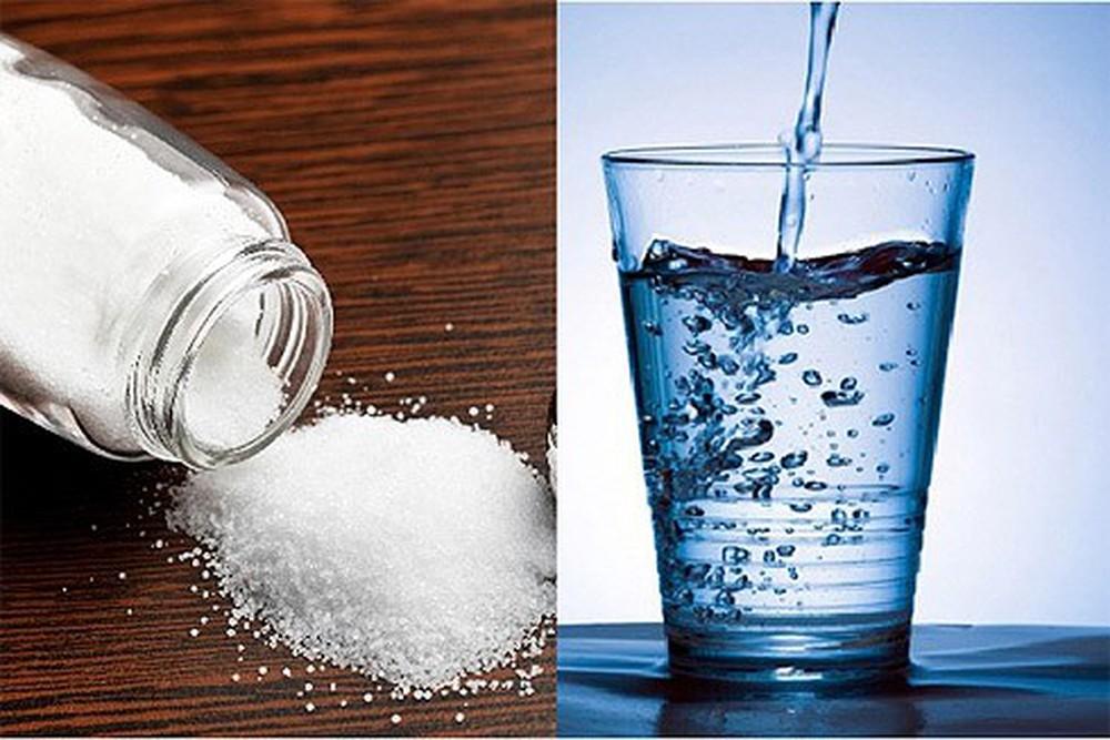 dùng nước muối giảm ho