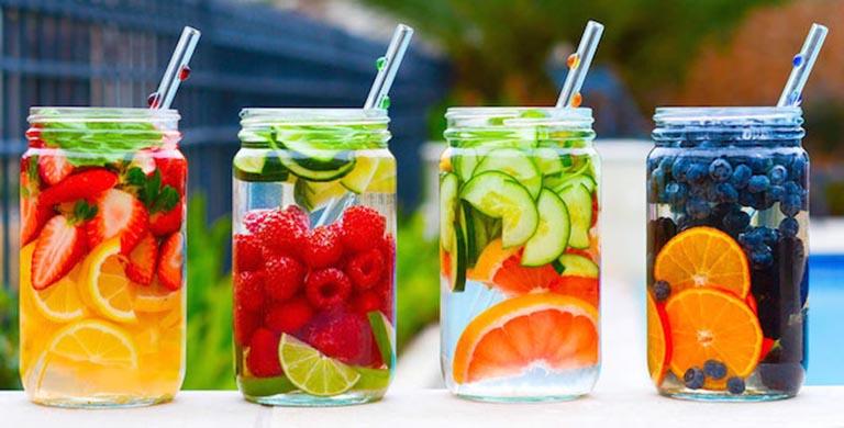 nước uống giảm cơn đau gout
