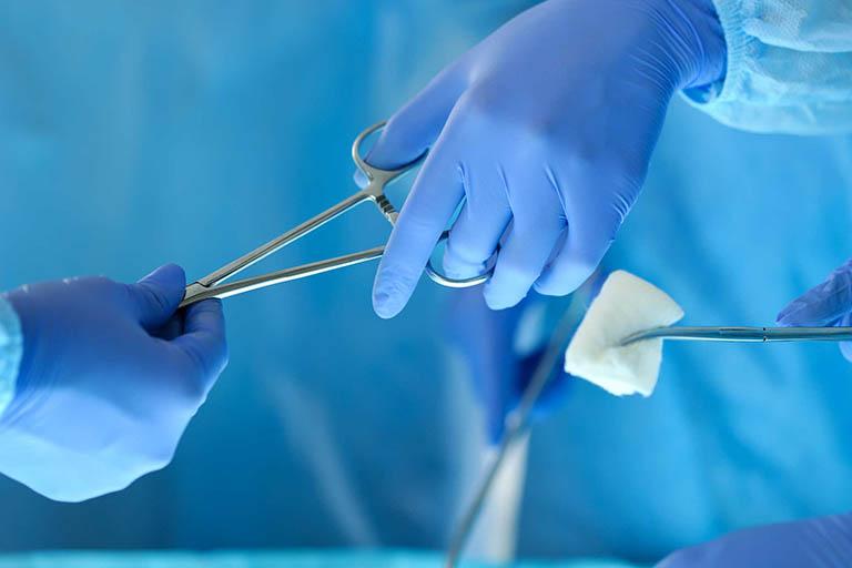 chữa hạt tophi bằng phẫu thuật