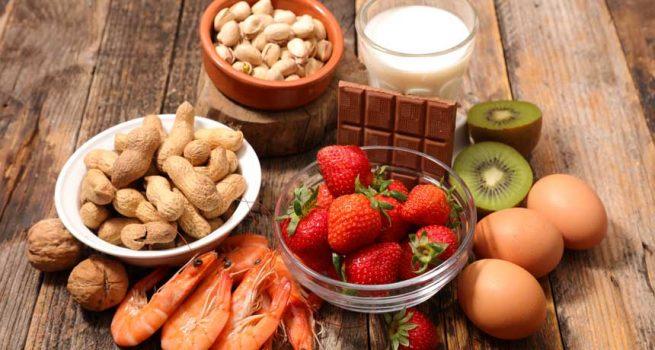 kiêng các loại thực phẩm dễ gây kích ứng, dị ứng