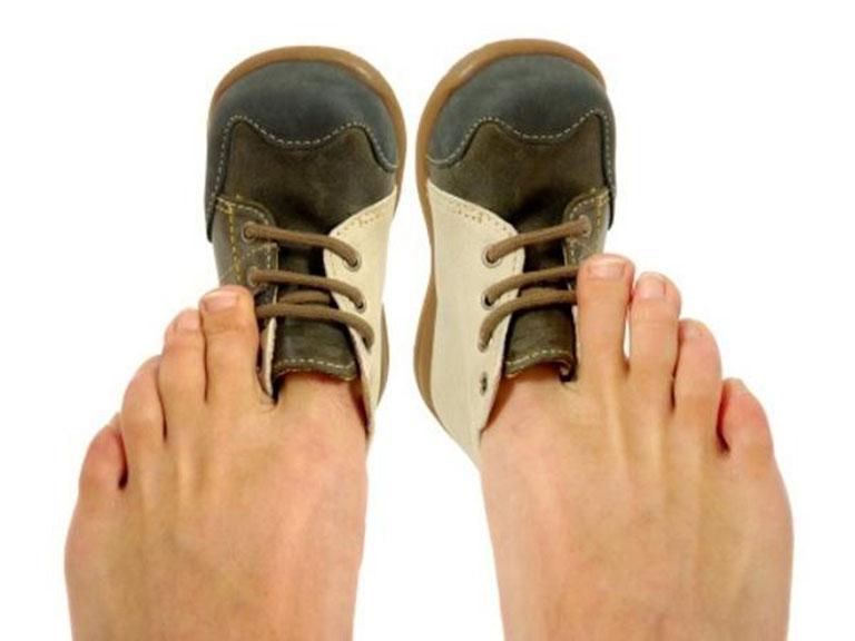 bệnh gút có nên đi bộ không
