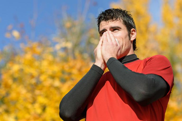 có nên tập thể dục khi bị viêm phế quản