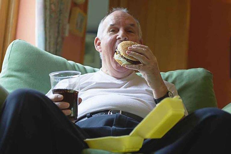 chế độ ăn uống cho người tăng aixt uric