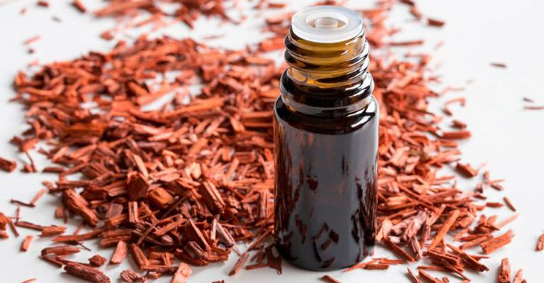 tinh dầu trầm hương giúp giảm ho