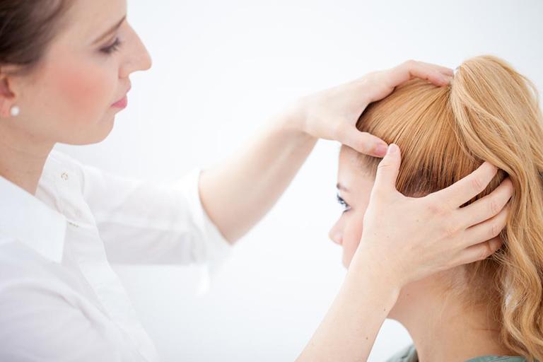 trị ngứa da đầu và rụng tóc