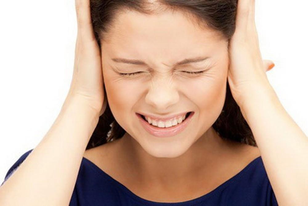 triệu chứng viêm tai giữa mạn tính