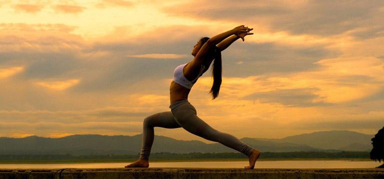 Điều trị vẩy nến bằng yoga