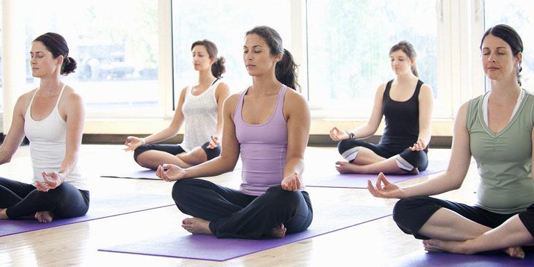 Chữa vẩy nến bằng yoga