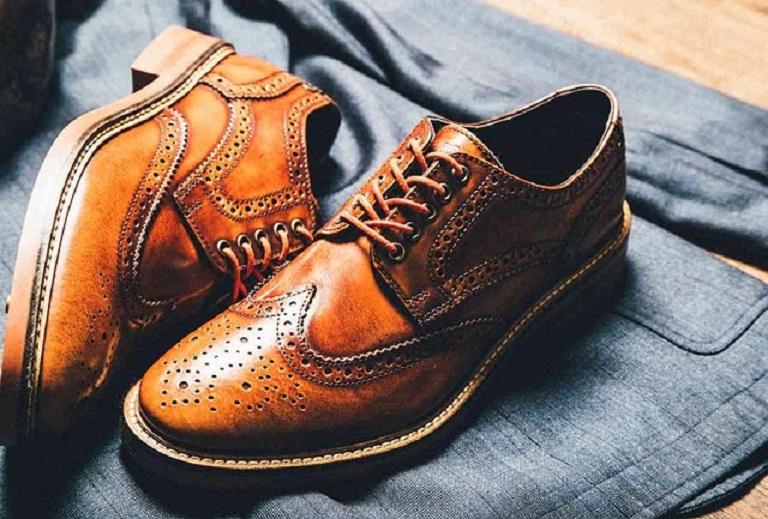 Lựa chọn giày thích hợp là lời khuyên hữu ích cho người bị viêm khớp
