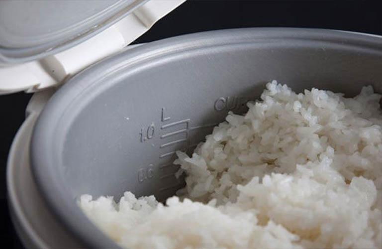 vi khuẩn phát sinh khi cơm để nguội