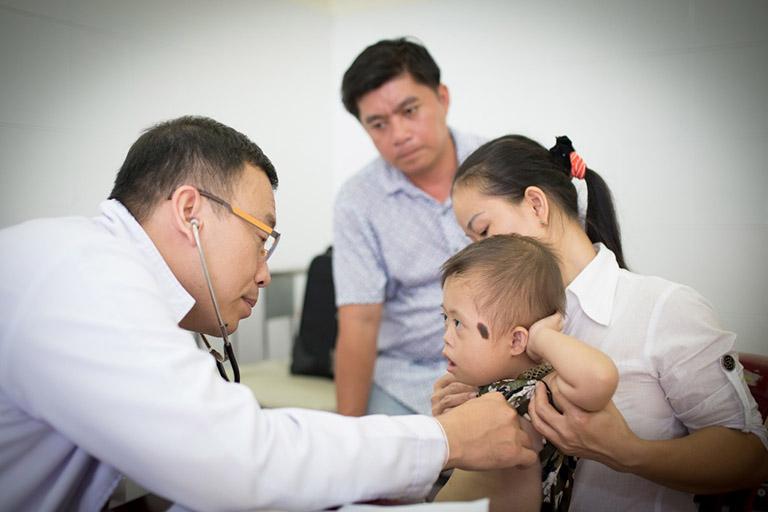 đội ngũ bác sĩ bệnh viện Nhi đồng 1
