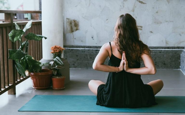Bài tập Yoga điều trị bệnh viêm đại tràng tại nhà