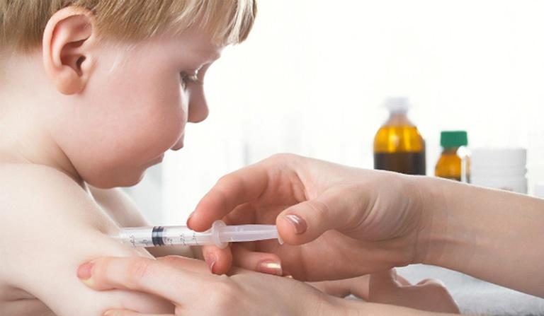 Tiêm vắc - xin là cách tốt nhất để phòng ngừa bệnh ho gà