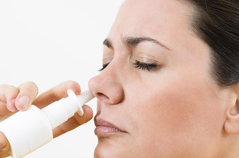 Điều trị các triệu chứng dị ứng bằng thuốc xịt mũi