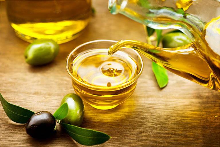 Dầu oliu cũng là nguyên liệu bạn nên sử dụng khi bị đau tai