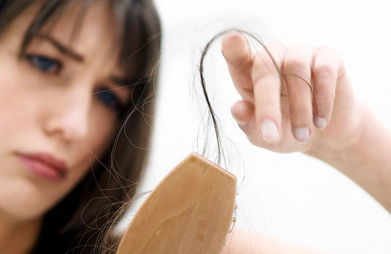 tóc rụng bất thường