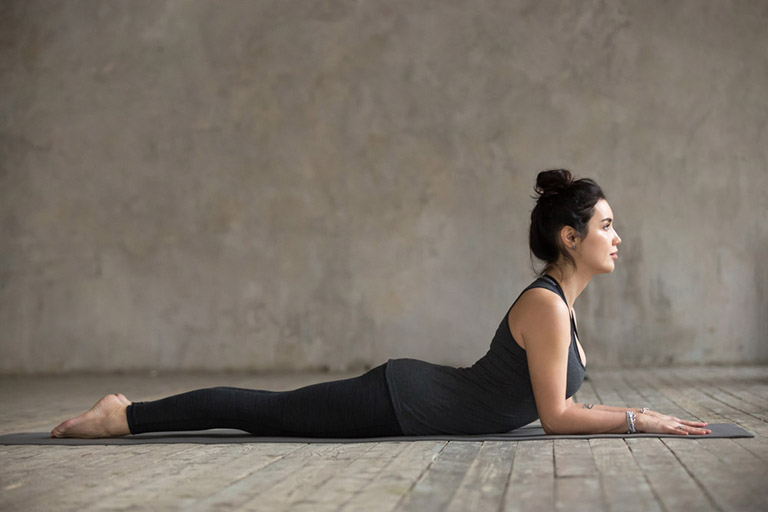 Chữa thoát vị đĩa đệm bằng yoga