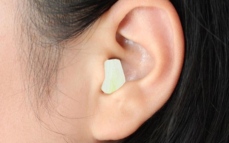đặt tỏi trị viêm tai giữa