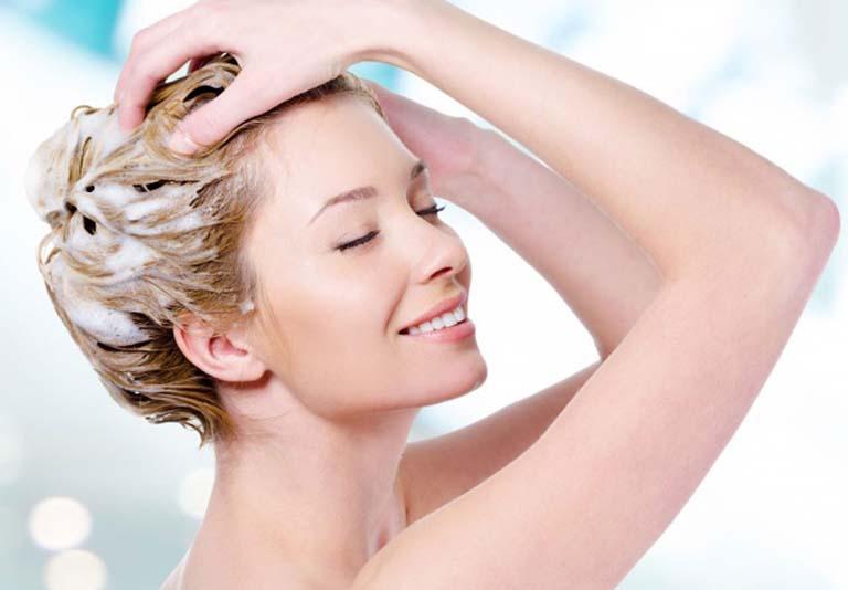 triệu chứng dị ứng với thuốc nhuộm tóc