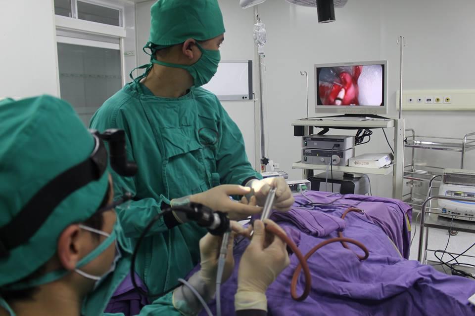 điều trị hẹp phẫu thuật