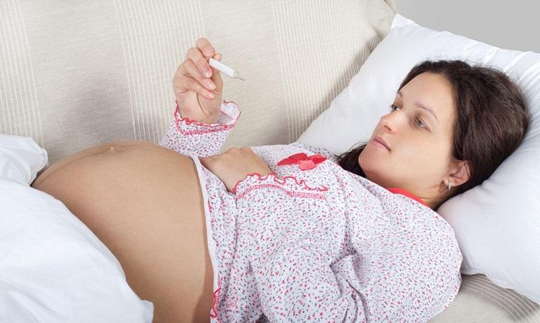 Nguyên nhân khiến mẹ bầu hắt xì khi mang thai