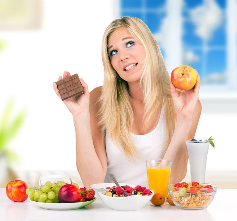 Bị cảm cúm nên ăn và tránh ăn gì để giúp cải thiện triệu chứng bệnh?