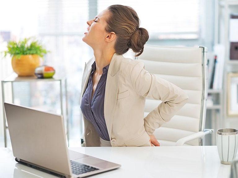 Ngồi nhiều làm tăng nguy cơ mắc bệnh xương khớp