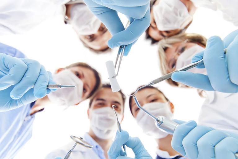Thời gian làm việc tại Nha khoa Răng Xinh - Bác sĩ Trương Văn Tiếp