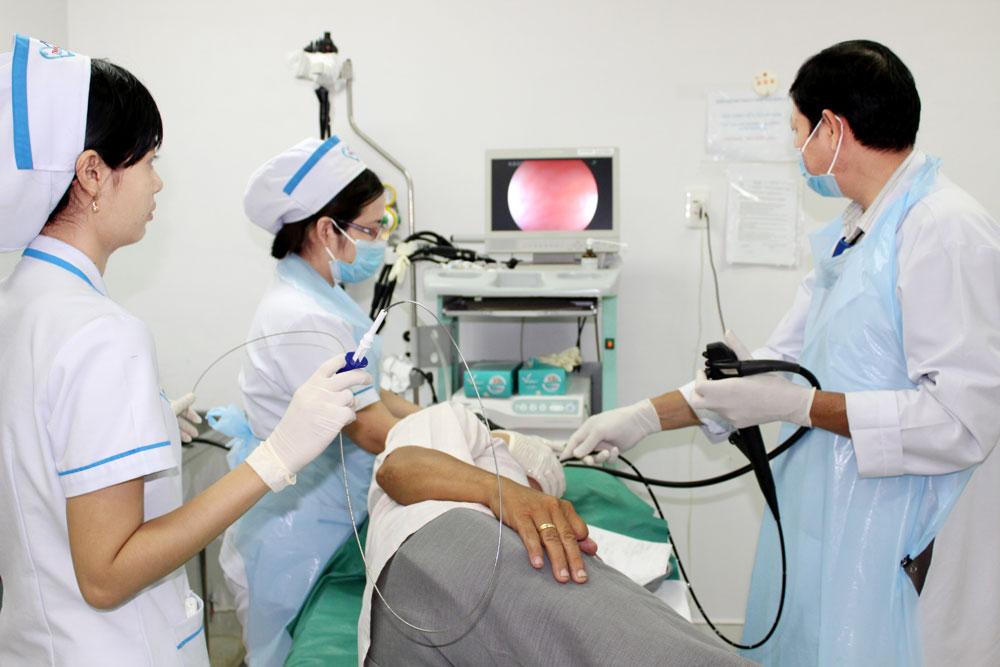 Nội soi là phương pháp chẩn đoán bệnh viêm họng trào ngược