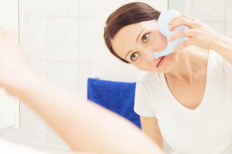 nước rửa mũi giảm khô mũi
