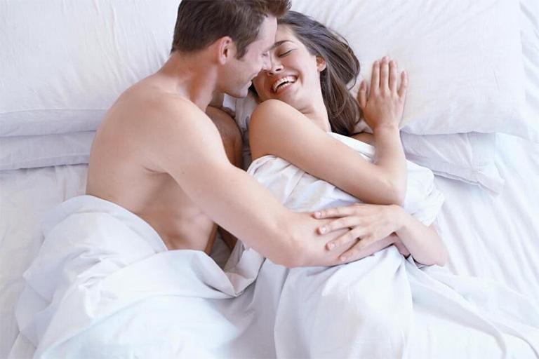 Quan hệ vợ chồng sau khi thay khớp háng