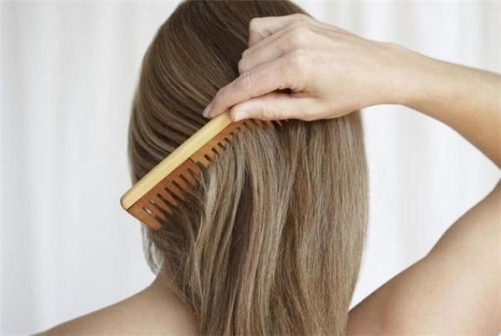 hạn chế rụng tóc khi mang thai