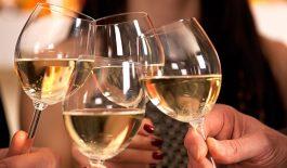 Uống rượu bia có thể kích hoạt bệnh hen suyễn hoặc làm các triệu chứng bệnh nặng thêm