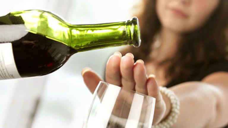 Tránh xa rượu bia giúp hạn chế nguy cơ mắc bệnh hen suyễn cho bản thân