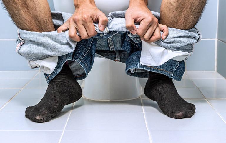Táo bón là triệu chứng bệnh sa trực tràng kiểu túi