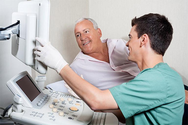 Thăm khám bác sĩ khi đau do xuất tinh
