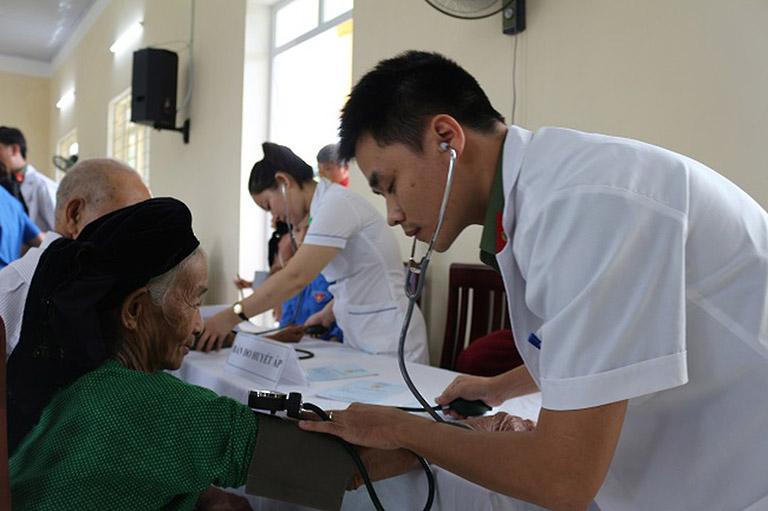 Bệnh viện 198 có đội ngũ bác sĩ có chuyên môn giỏi, giàu y đức, tận tâm với nghề