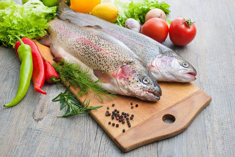 Những loại thực phẩm nên ăn và nên tránh khi bị phát ban da
