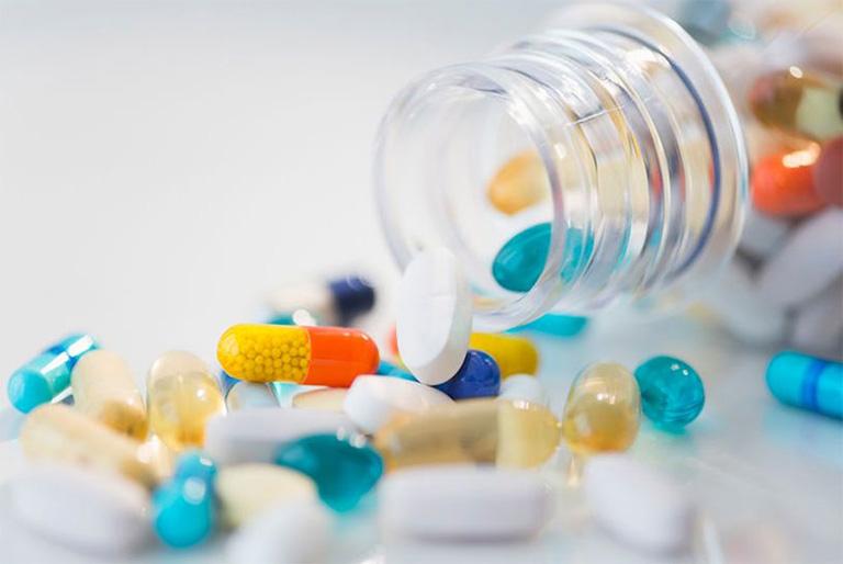 dùng thuốc để điều trị khối u tinh hoàn
