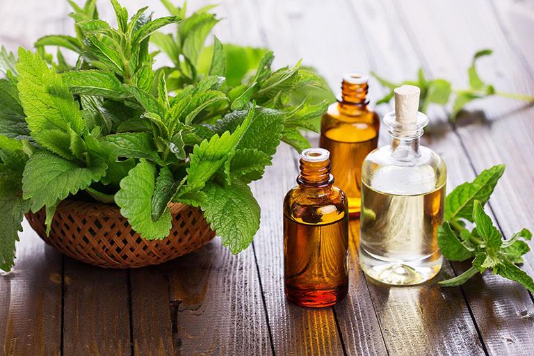 tinh dầu làm giảm ngứa da