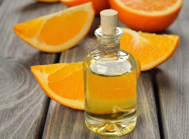 tinh dầu tự nhiên trị rạn da