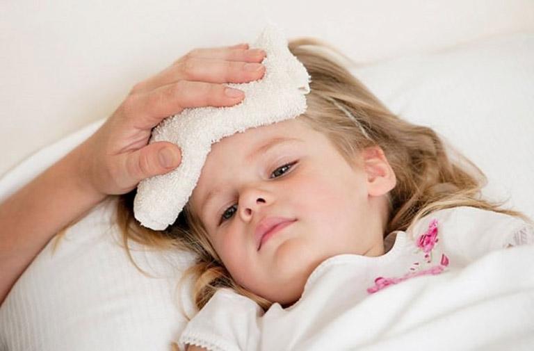 triệu chứng ngộ độc cấp ở trẻ em