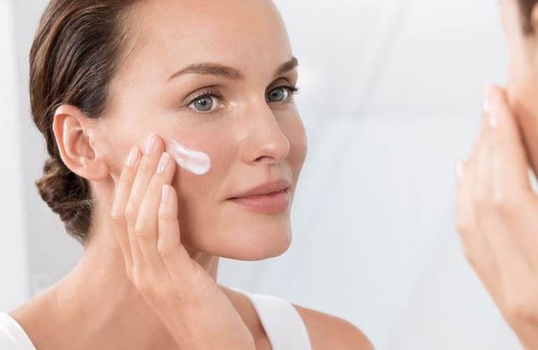 chăm sóc và điều trị viêm da cơ địa ở mặt