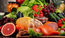 Ăn uống đúng cách sẽ giúp làm giảm các triệu chứng bệnh viêm đại tràng mãn tính