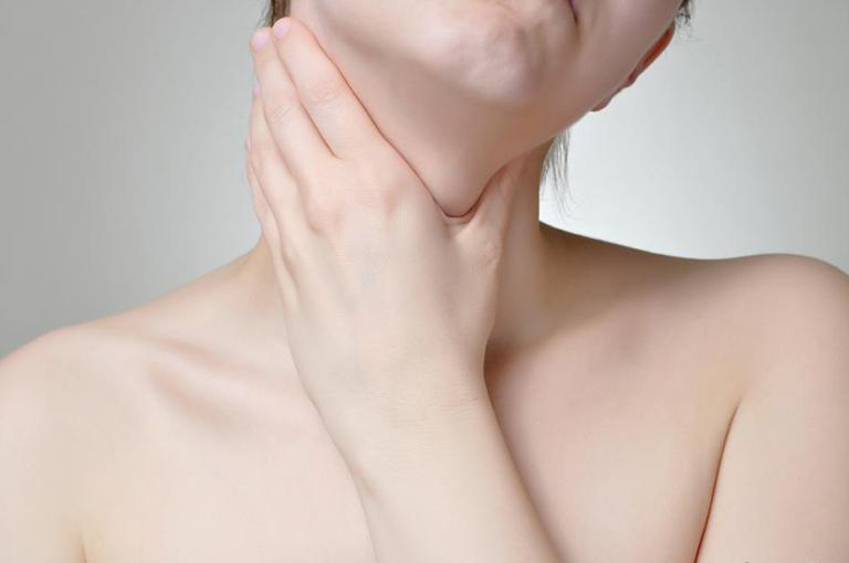 triệu chứng viêm họng dị ứng