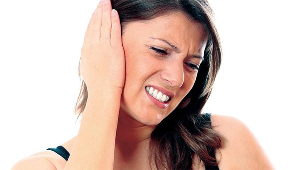 triệu chứng viêm tai ngoài