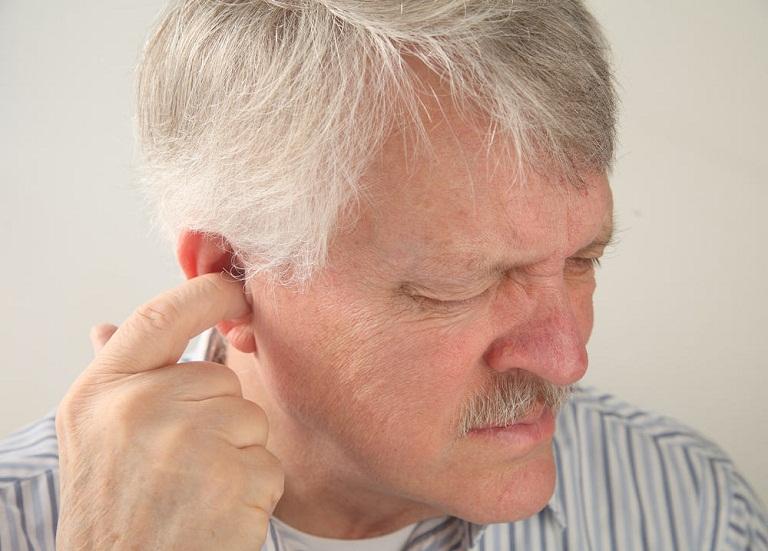 Triệu chứng viêm tai ngoài cấp tính
